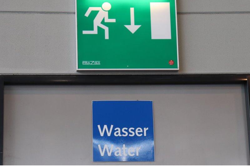 Achtung Wasser
